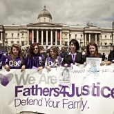 2012_06_16_fathers_day_trafalgar_square07_0513