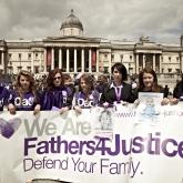 2012_06_16_fathers_day_trafalgar_square07_0513