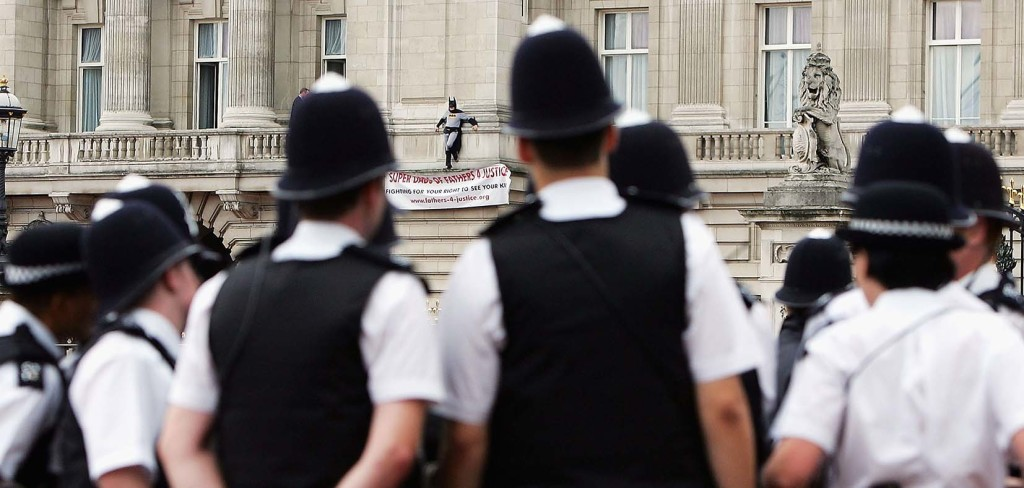 Fathers For Justice Protestor On The Balcony At Buckingham Palace